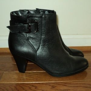 St. Johns Bay Authentic Leather Black Boots Woman